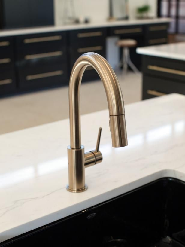Kitchen Sinks And Faucets Farmhouse Style Joanna Gaines