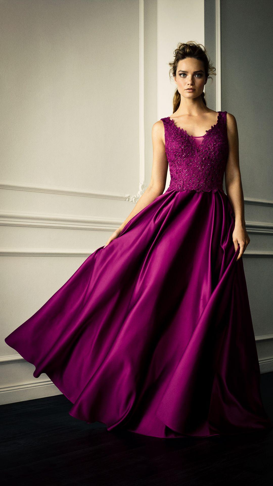 Pin Von Lili Auf Dresses Abendkleid Ballkleid Kleider