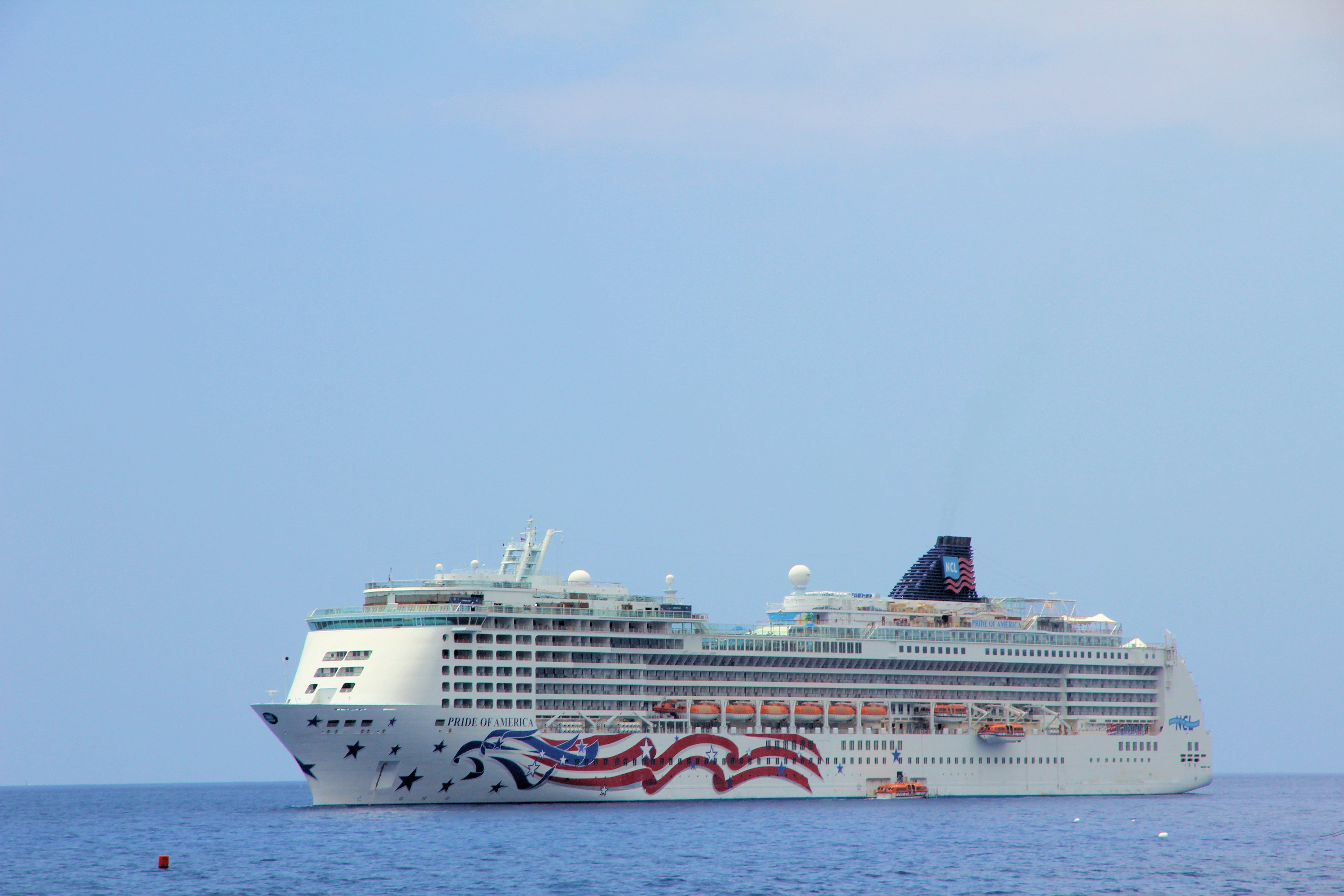 NCL In Hawaii The Only Large American Flagged Cruise Ship The - Us flagged cruise ships