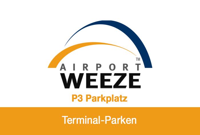 Beleuchteter und beschrankter Parkplatz am Flughafen Weeze