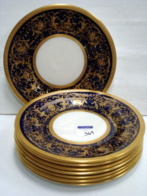 369: CROWN CHELSEA ENGLISH DINNER PLATES : Lot 0369