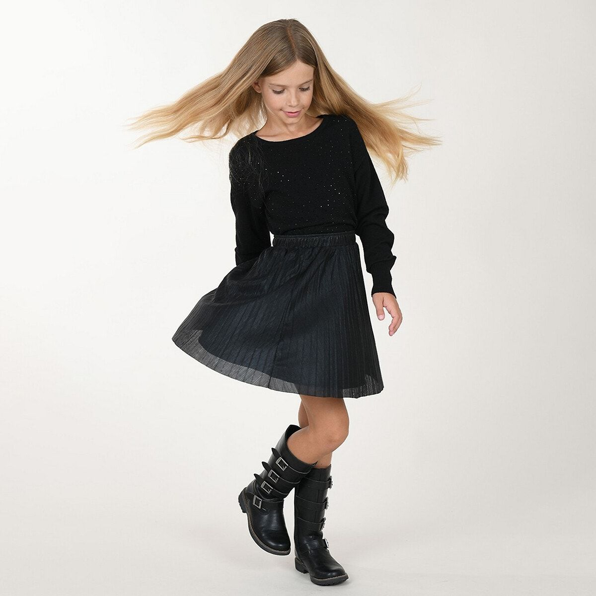 Product details•style: pleated•knee-length•elasticated waist•length: 40cm for age 8/10 yearsfabric content and care advice•100% polyester•please refer to the care instructions on the product label