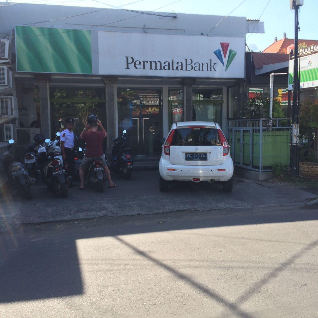 Permata Bank  Location: Jalan Tambalingan  Top Tip: Use permata bank if you want to maximise your witdrawl amount from an ATM. most Bank ATM's allow a maximum withdrawl (per transaction) limit of 1.5 million idr, Permata allows 3 million idr per transaction.