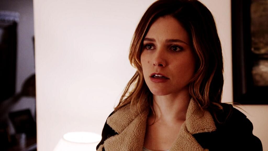 Don't miss the season finale of #ChicagoPD, Wednesday at 10/9c. http://youtu.be/KaqGTZWW19k pic.twitter.com/gOtZdek9ip