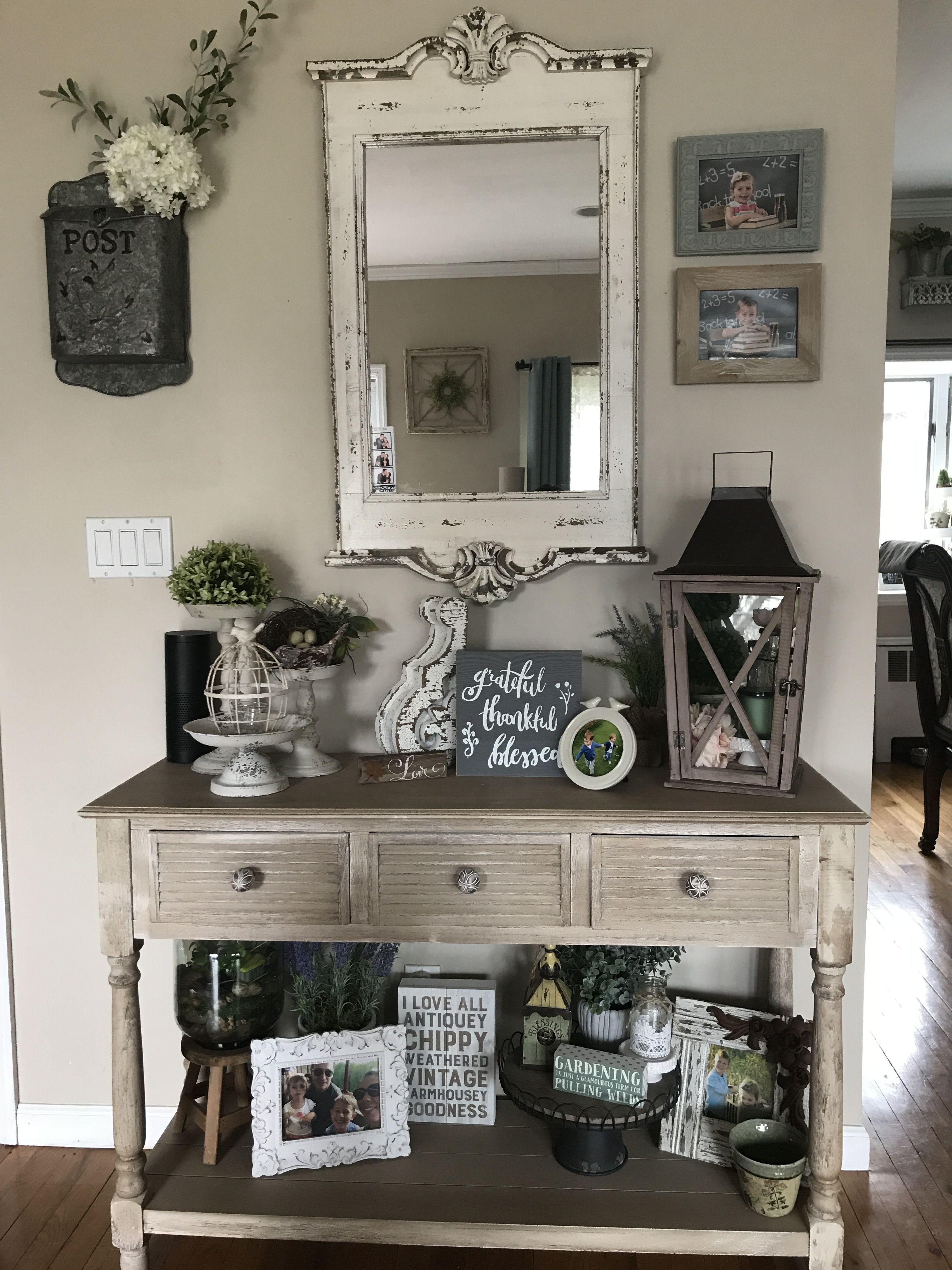 41 Beautiful Rustic Entryway Decor Ideas Zyhomy Entry Table Decor Country House Decor Home Decor