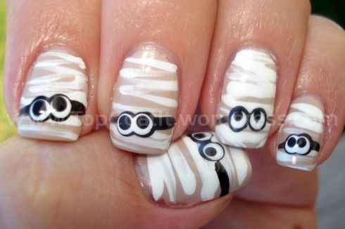 Nail Art - Mummies...fun for halloween.