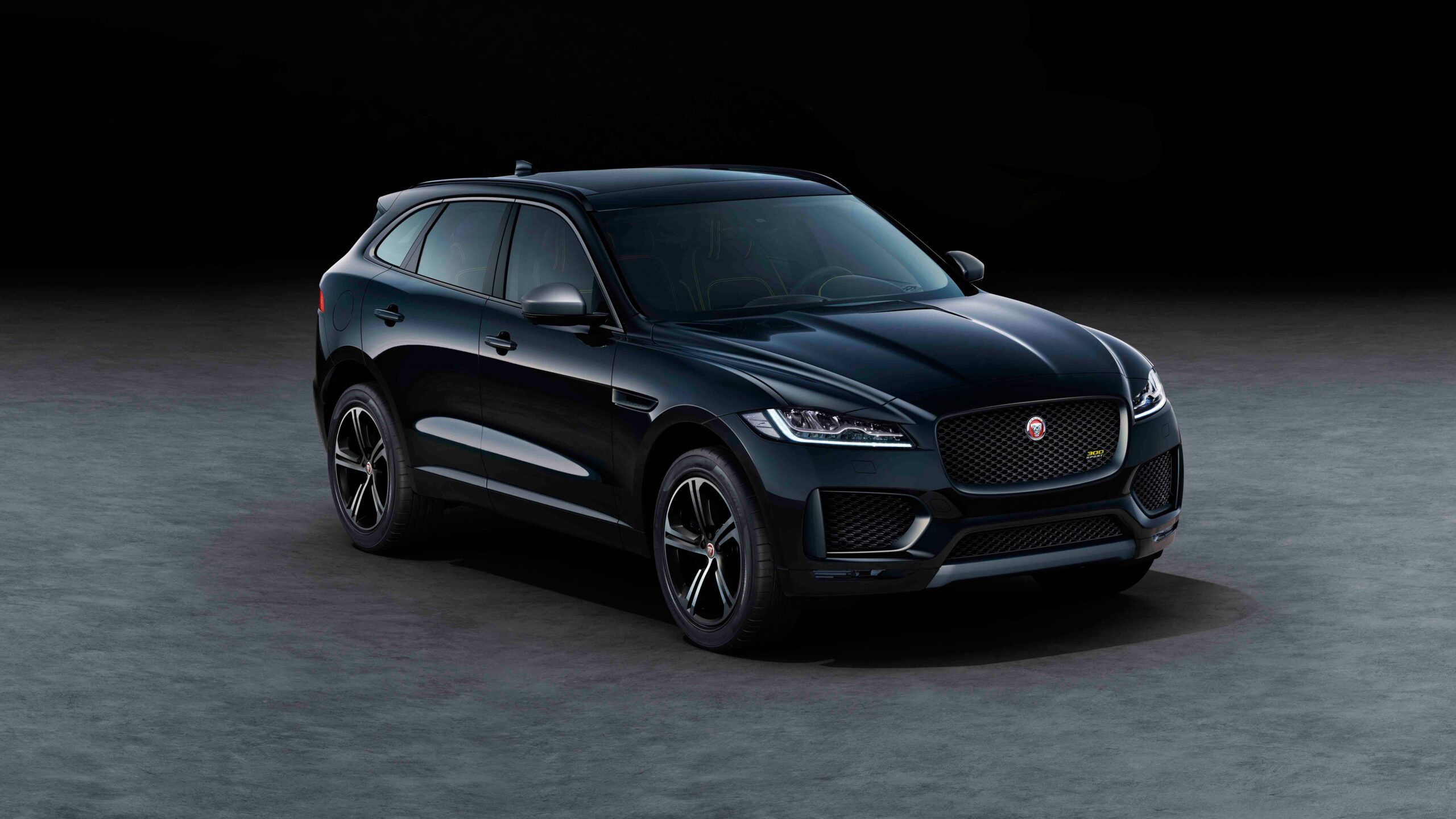 2020 Black Jaguar Suv Picture In 2020 Jaguar Suv Jaguar Suv