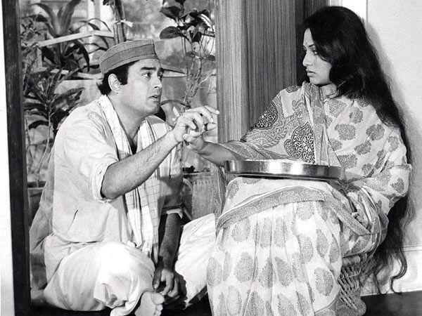 एक फिल्म के दौरान गुलज़ार और संजीव कुमार