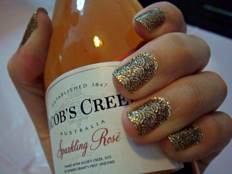 OoOoO I'm liking those nails