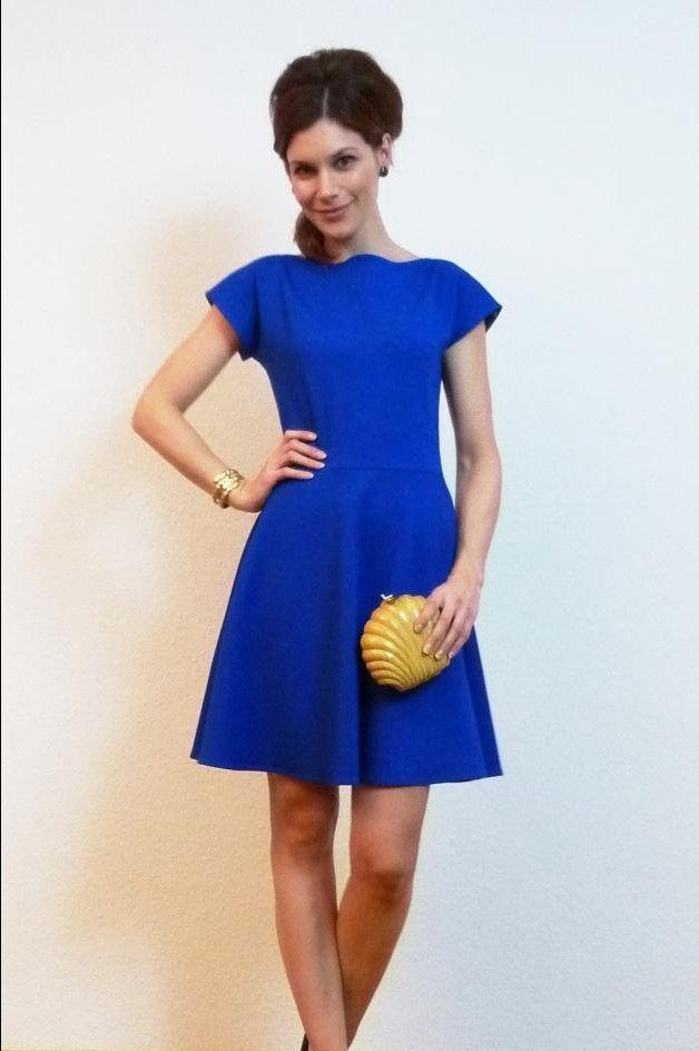 Entdecke lässige und festliche Kleider: Marie X-Shape Jersey Kleid ...