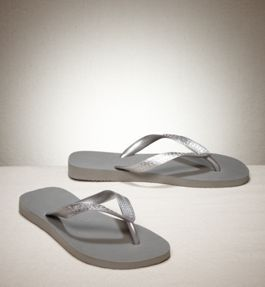 i just can't get enough metallic flipflops!!