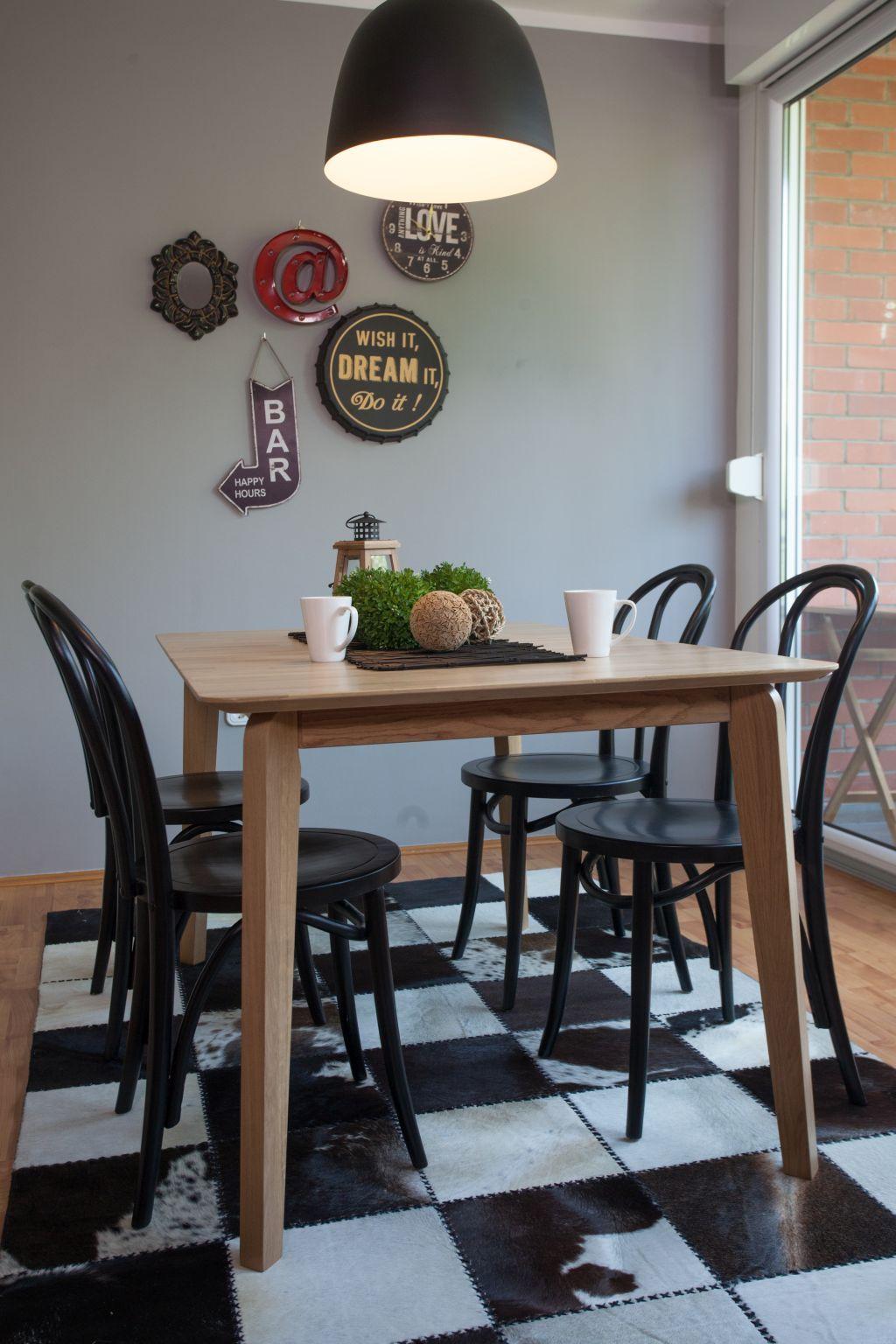 Dva Nova Lica Stare Blagovaonice Dining Dining Room Dining Table