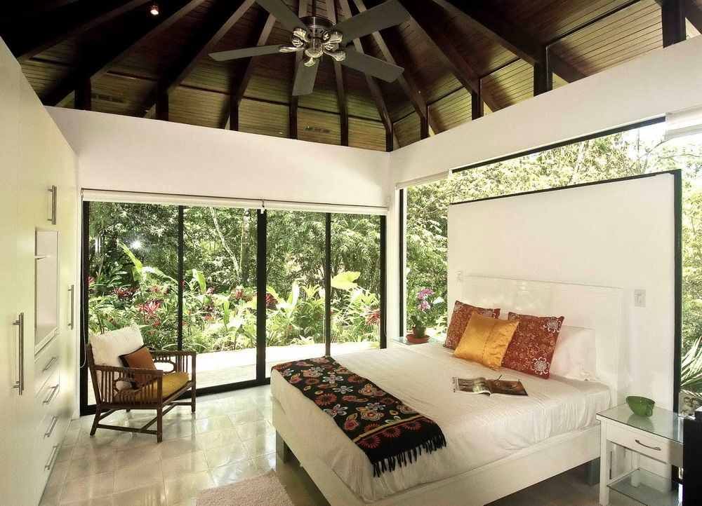 Delightful White Bedroom With Batik Quilt In Modern Tropical House Interior Design /  Interior Mesmerizing Awesome Modern