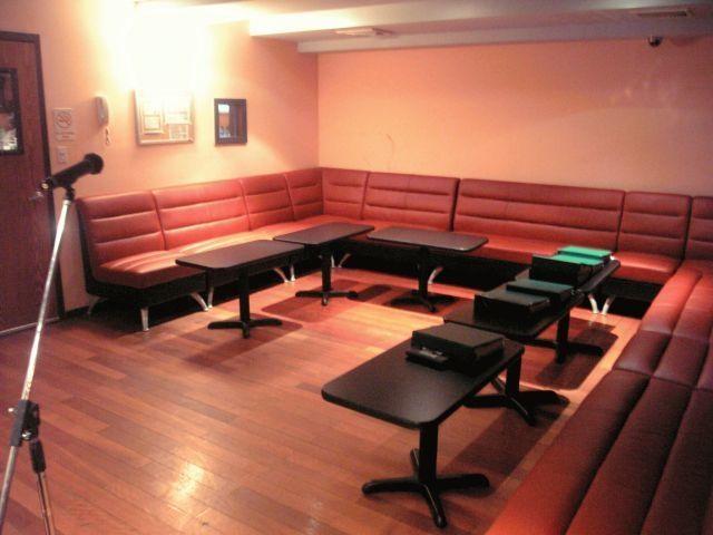 Duet 35 | New York Spots | Karaoke, Room, Table