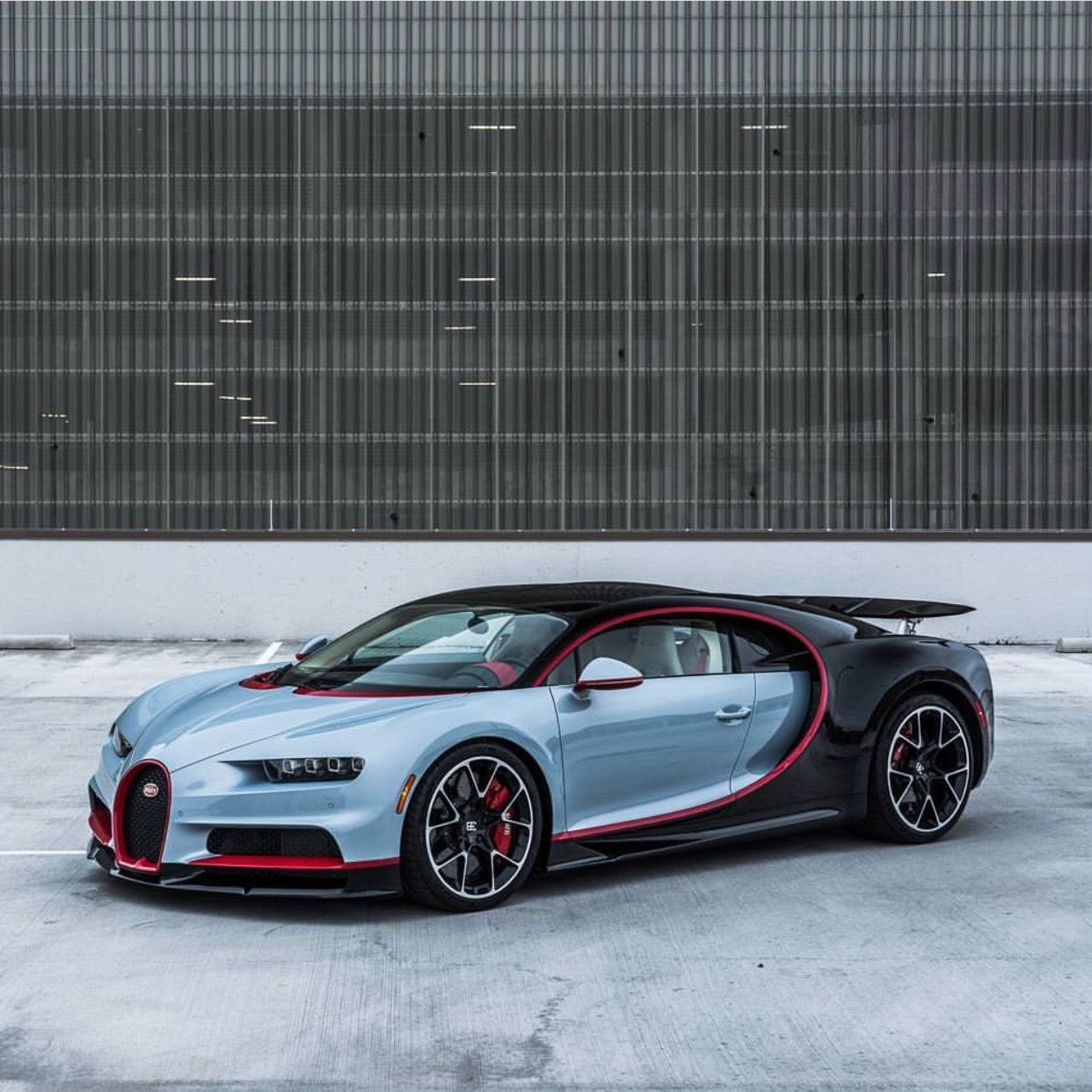 Bugatti Chiron Painted In Gray Black W Red Accents And Exposed Carbon Fiber Photo Taken By Pepperyandel Bugatti Chiron Bugatti Cars Sports Cars Bugatti