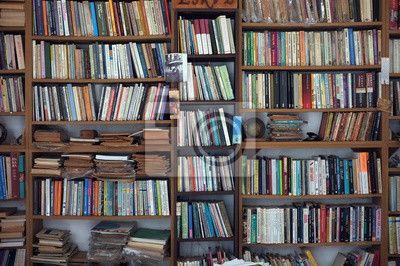 Fotobehang Oude boekenkast • Pixers® - We leven om te veranderen ...