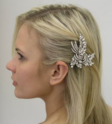 Side pinned up Straight hair- maybe not that pin ;) | Ideas for ...