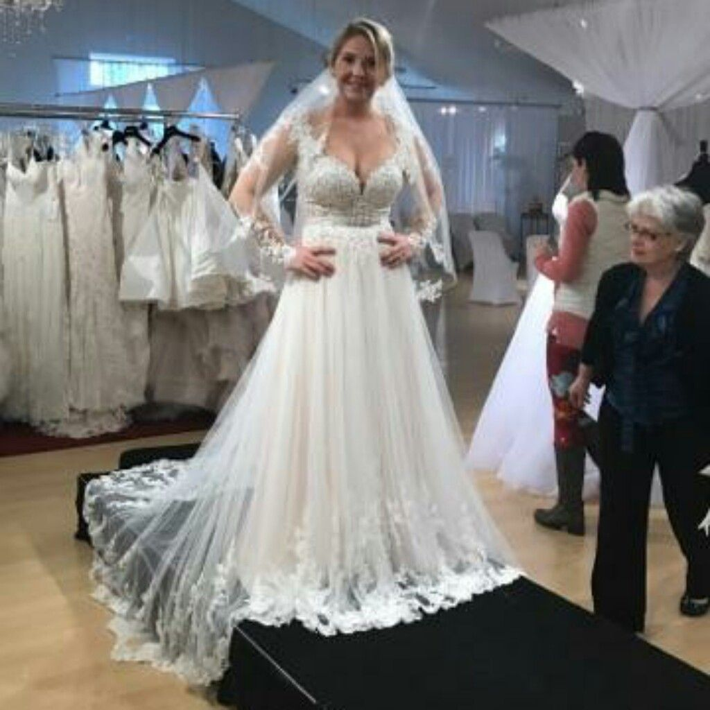 Essense Of Australia D2038 Wedding Dress