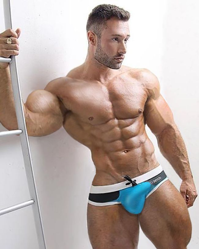 muscle hot guys