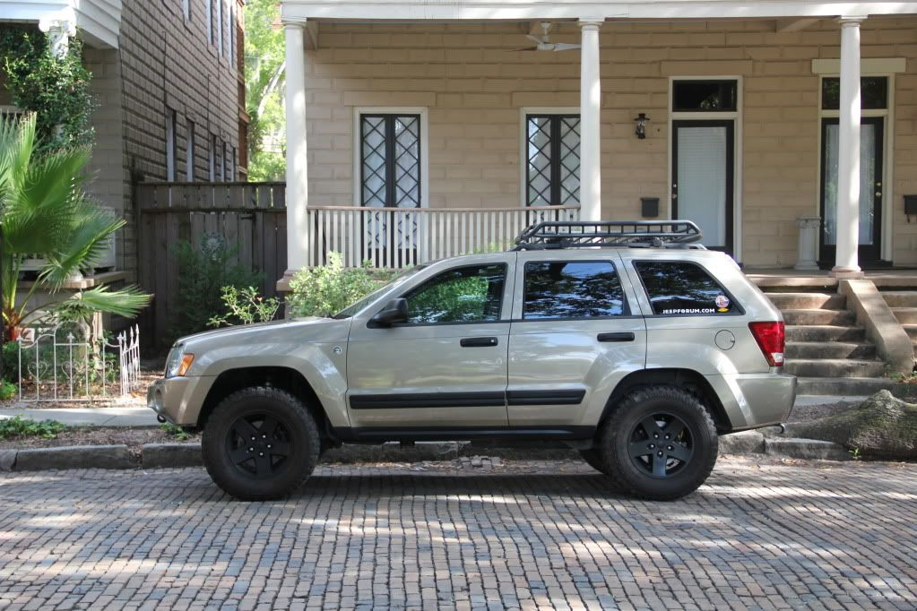 How To Paint Your Wheels W Out Removing Them Jeep Garage Jeep Forum Jeep Wk Tire Pictures Jeep Garage