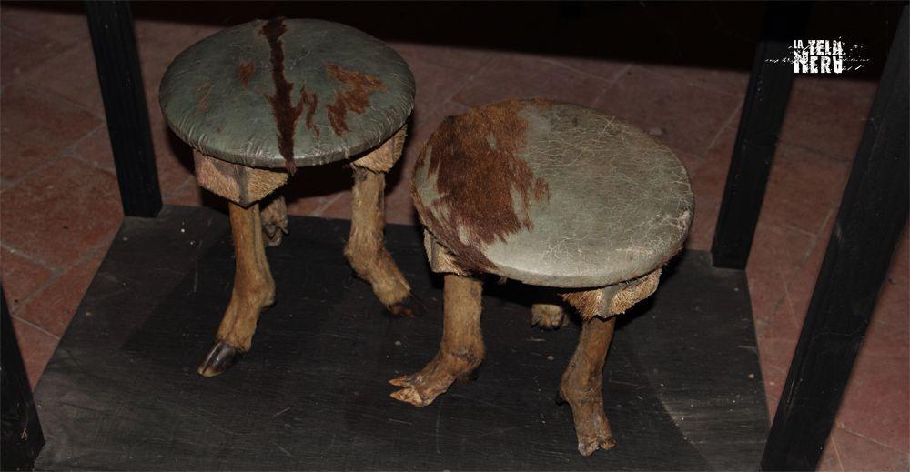 Sgabelli con zampe di capra come gambe sgabelli animali