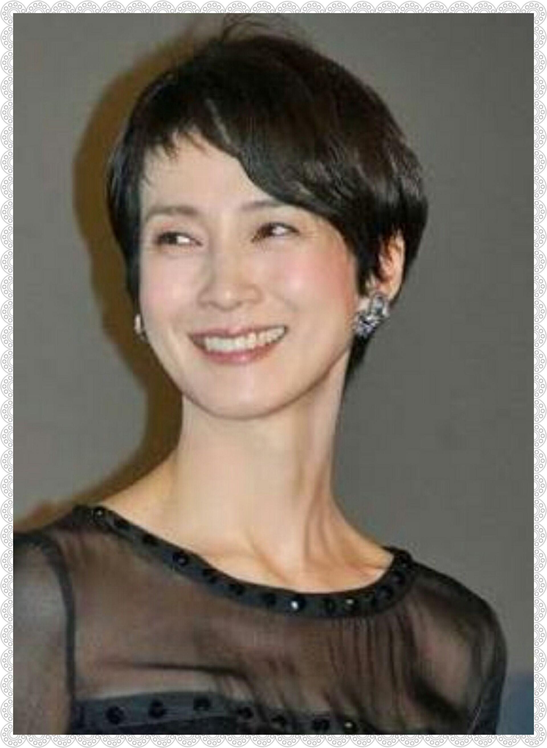 安田成美の黒髪ショート 安田成美 髪型 髪型 ピクシーカット