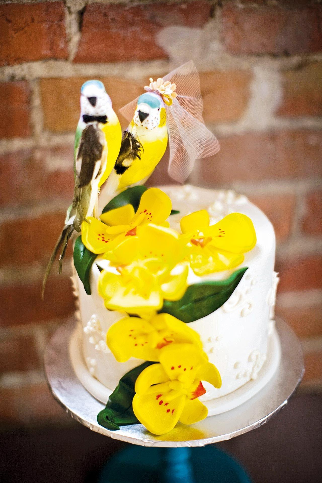 Wedding Cake Toppers (BridesMagazine.co.uk) | Bird wedding cakes ...