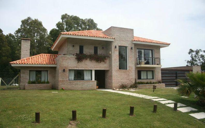 Fachadas de casas bonitas con teja de casas con tejas 5 for Modelos de techos con tejas