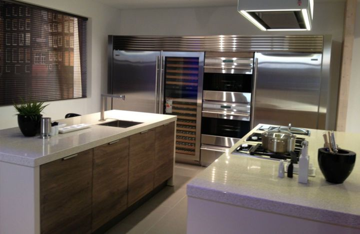kitchen wall unit viking /sub zero