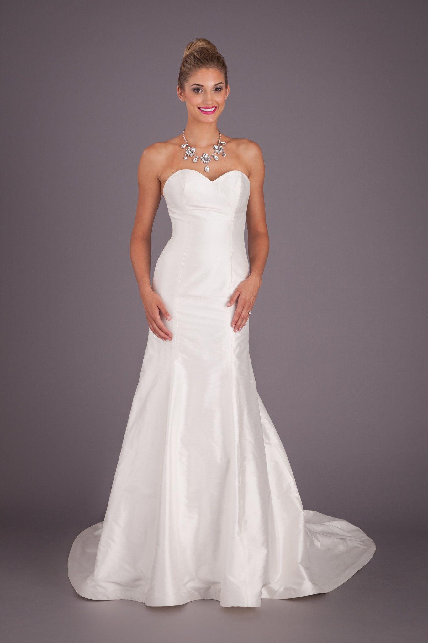Savannah strapless sweetheart neckline chats savannah for Wedding dress savannah ga