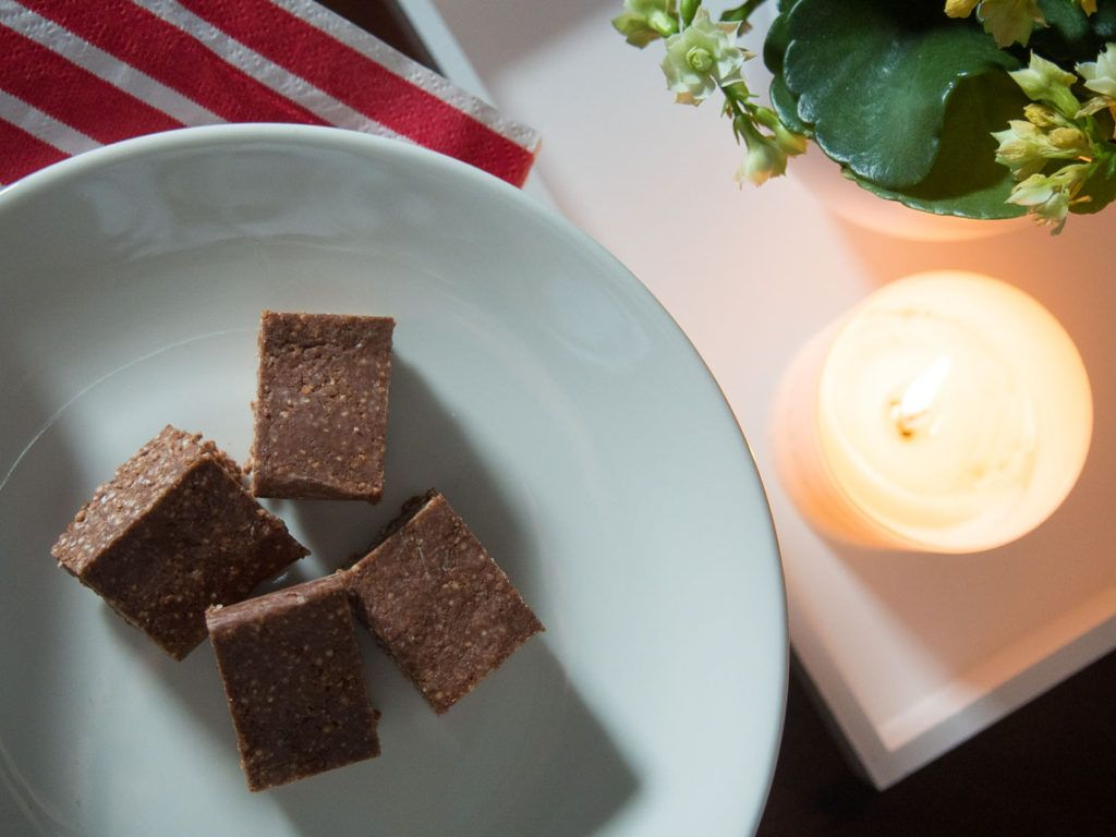 Vegaaniset ja gluteenittomat konvehdit kvinoasta - AITOA ARKIRUOKAA