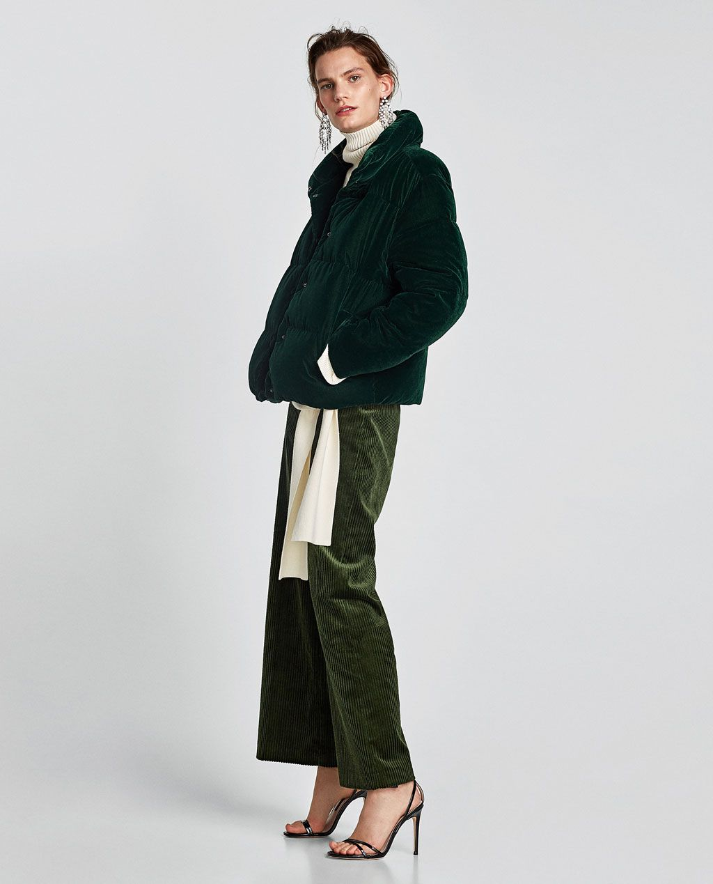 692ad261 Coat with faux fur cuffs | Fashun Hunni | Velvet jacket, Black ...