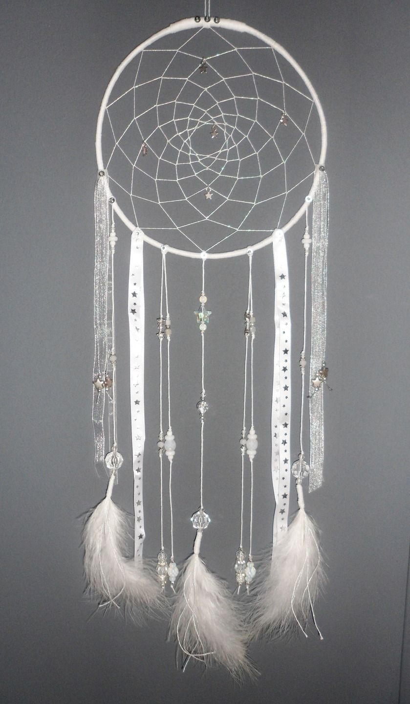attrape r ves blanc dreamcatcher plumes perles et ficelle dream catchers pinterest pom. Black Bedroom Furniture Sets. Home Design Ideas
