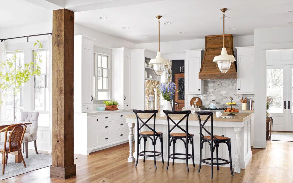 Decor Inspiration: 42 Modern Farmhouse Kitchens {Part 1}