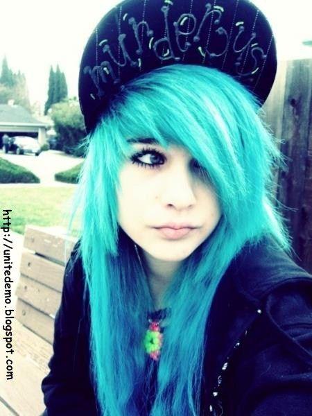 Blue Choppy Scene Hair Emo Haarfarbe Szenehaar Blaue Haare