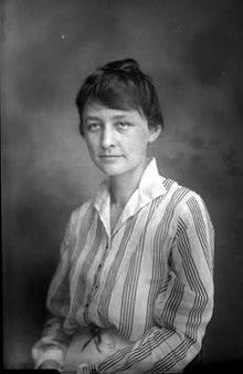 Georgia O'Keeffe (Sun Prairie, 15 novembre 1887 – Santa Fe, 6 marzo 1986) è stata una pittrice statunitense. La sua attività artistica è associabile al precisionismo[.