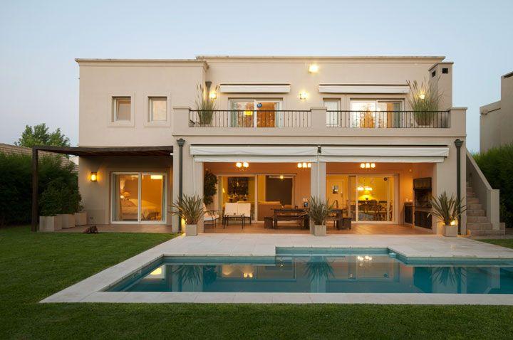 Casa estilo italiano moderno casas casa estilo casas for Fachadas de casas estilo clasico
