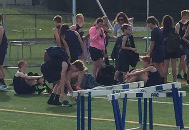 To The Girl In Pink Who Ran Track, You're Awesome!