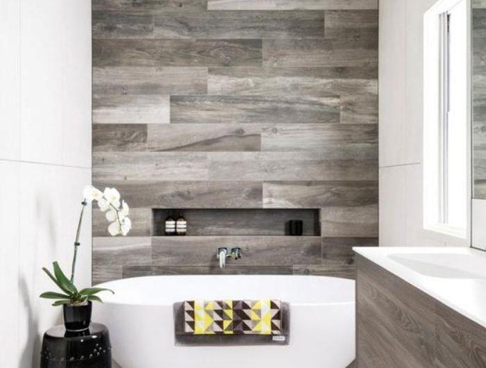 Le carrelage imitation bois en 46 photos inspirantes - salle de bain carrelee