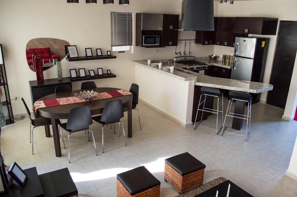 Sala comedor cocina colores negro y nude  casa  Sala