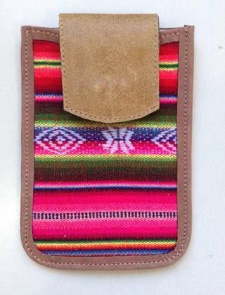 Porta celular de Aguayo