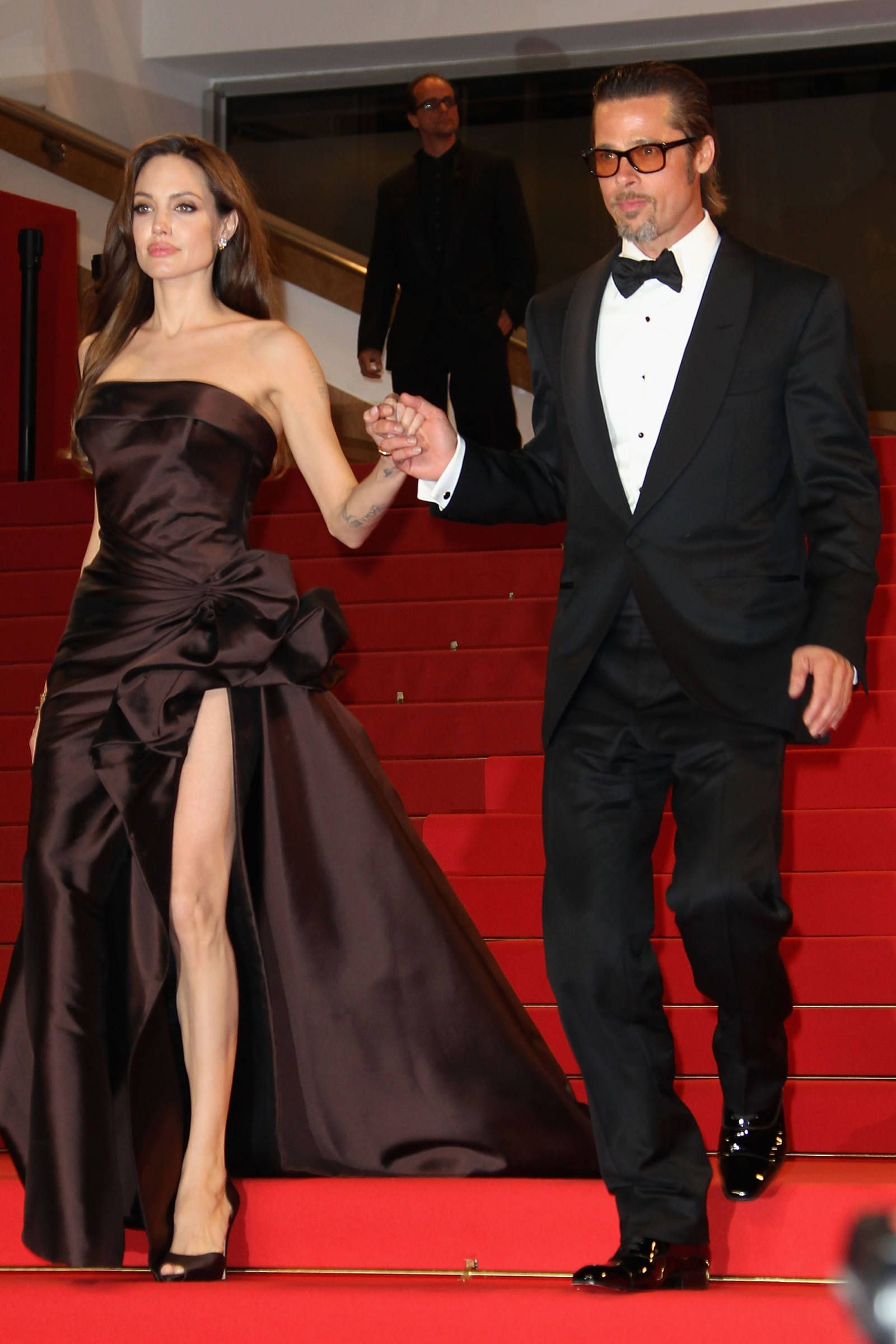 12 Of The Most Heart Melting Photos Of Brad Pitt And Angelina Jolie Angelina Jolie Red Carpet Brad Pitt And Angelina Jolie Angelina Jolie Style
