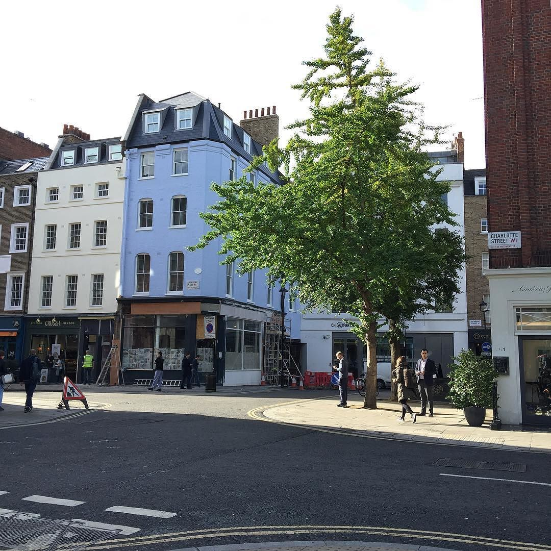 Site visits this morning. Glad to be out in the #sunshine First stop #fitzrovia #sun #light