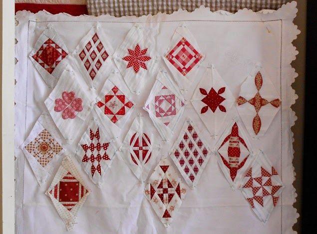 Wat is dat toch met die Sampler Quilts?   Dat ze zo verschrikkelijk leuk zijn om te maken?   Ze lijken zo op het oog best wel moeilijk...