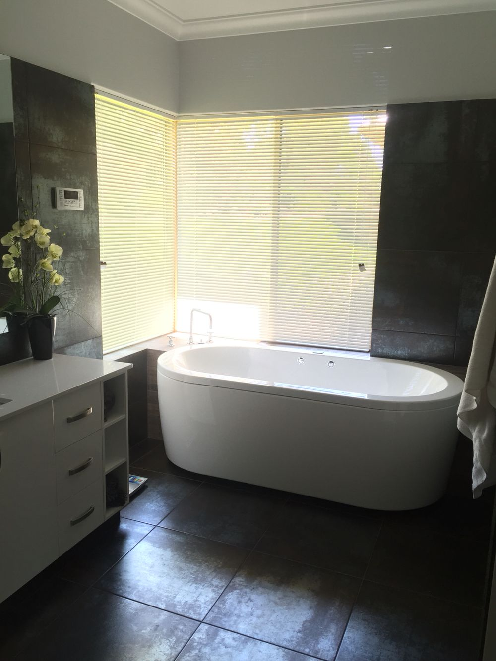 Antares tile and spa bath | Ideas for the House | Pinterest | Spa ...