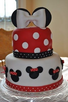 Minnie Mouse cake, I am already helping my sister plan my nieces birthday and she is only a month old!