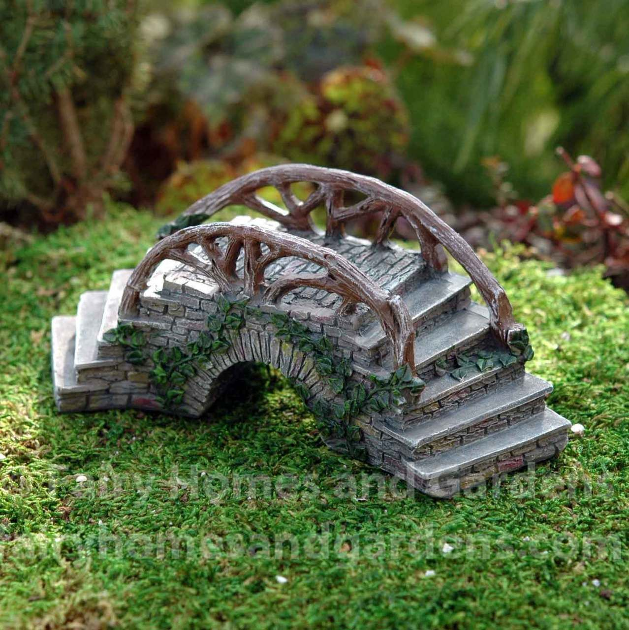 Fairy Homes and Gardens Enchanted Bridge with Stairs