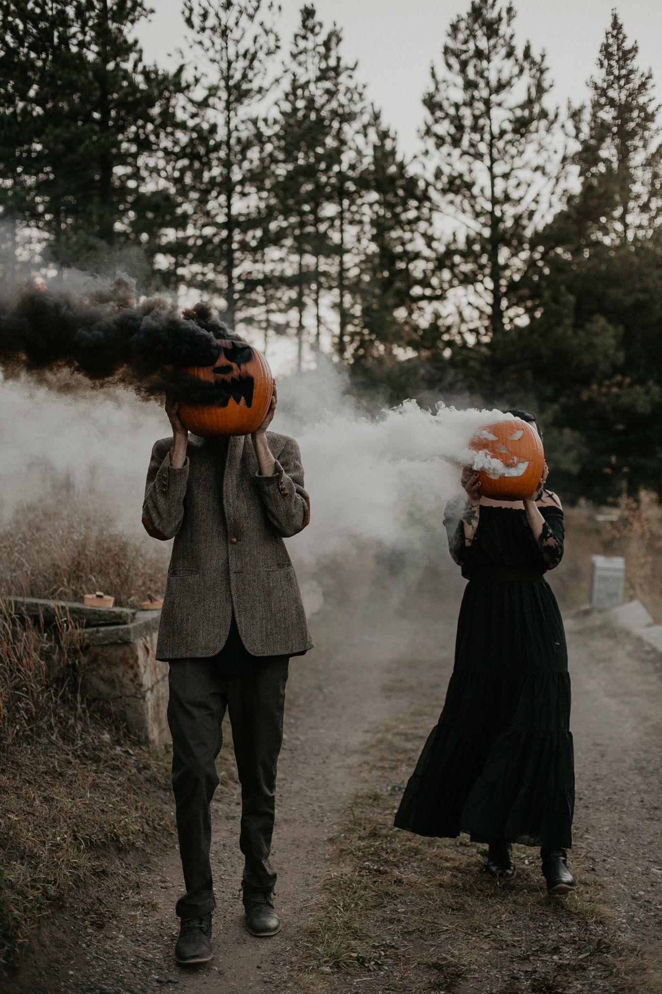 Spooky Halloween Couples Shoot in 2020 Halloween
