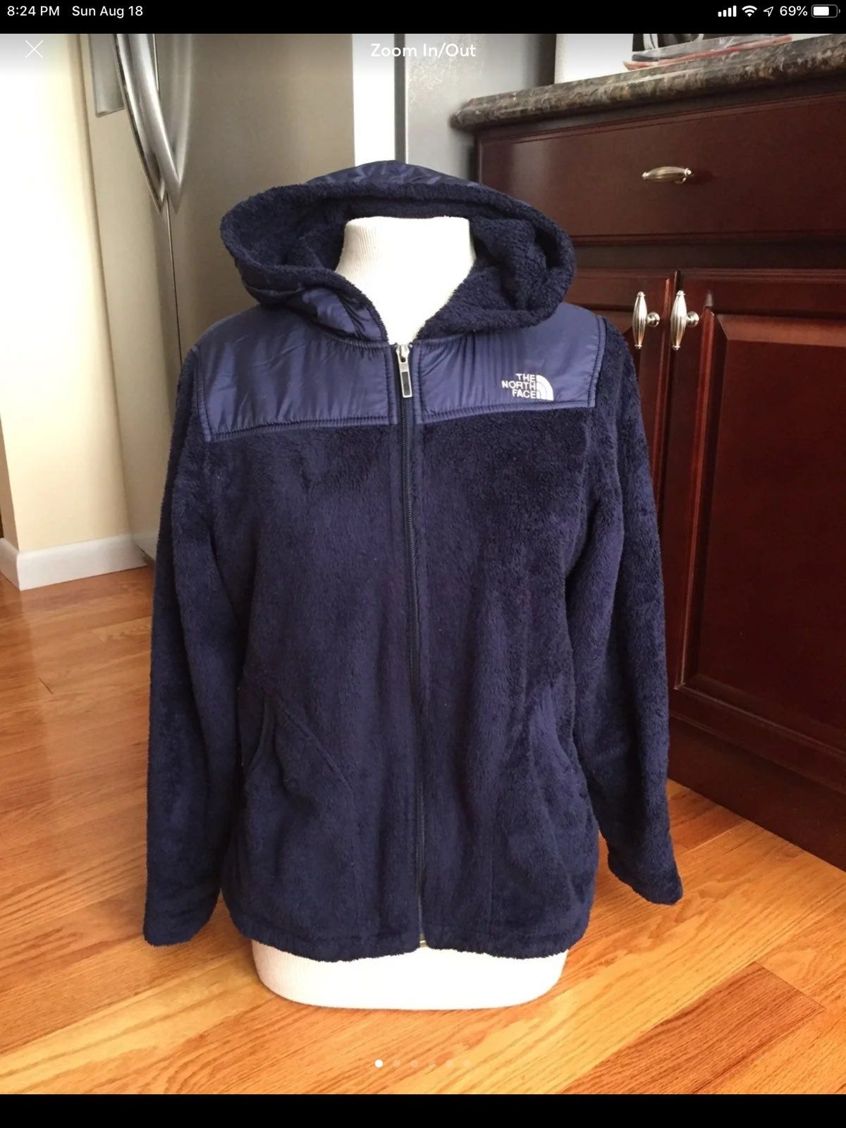 The North Face Women S Fuzzy Jacket M On Mercari Jackets Fuzzy Jacket North Face Fleece Jacket [ 1600 x 1200 Pixel ]