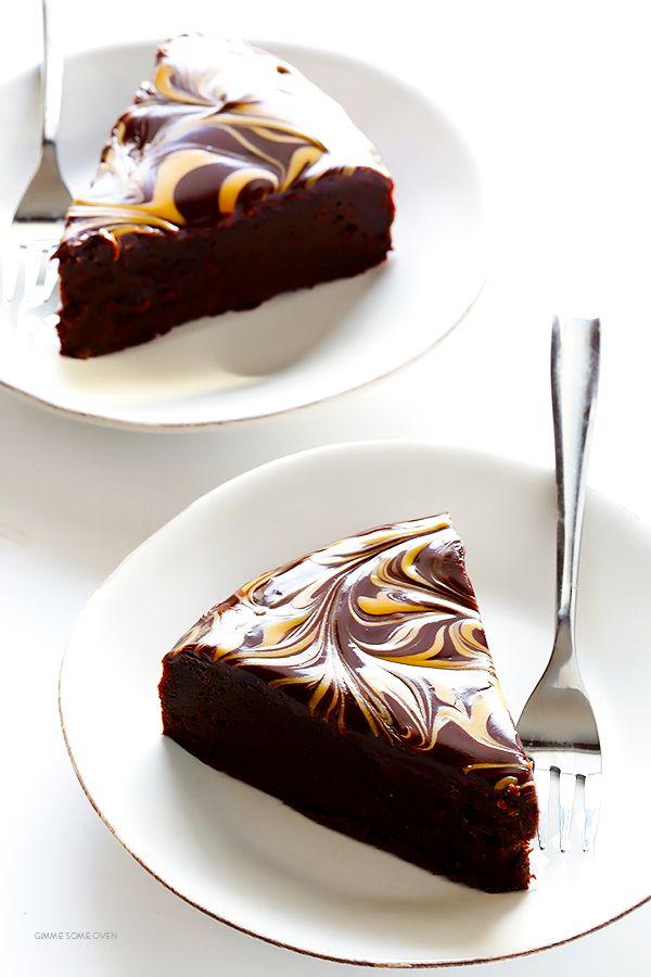Make easy flourless chocolate cake